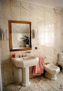 naturstein freitragende steintreppen k chenarbeitsplatten treppen b der grabmale l chow. Black Bedroom Furniture Sets. Home Design Ideas